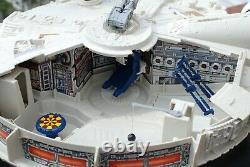 Vintage Star Wars Complete Millennium Falcon Vehicle Kenner Near Mint